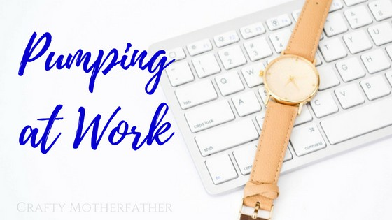 Breast pumping at work does not have to be scary or difficult. Click through to see our 7 best hacks to pumping at work + get your FREE pumping at work handbook!