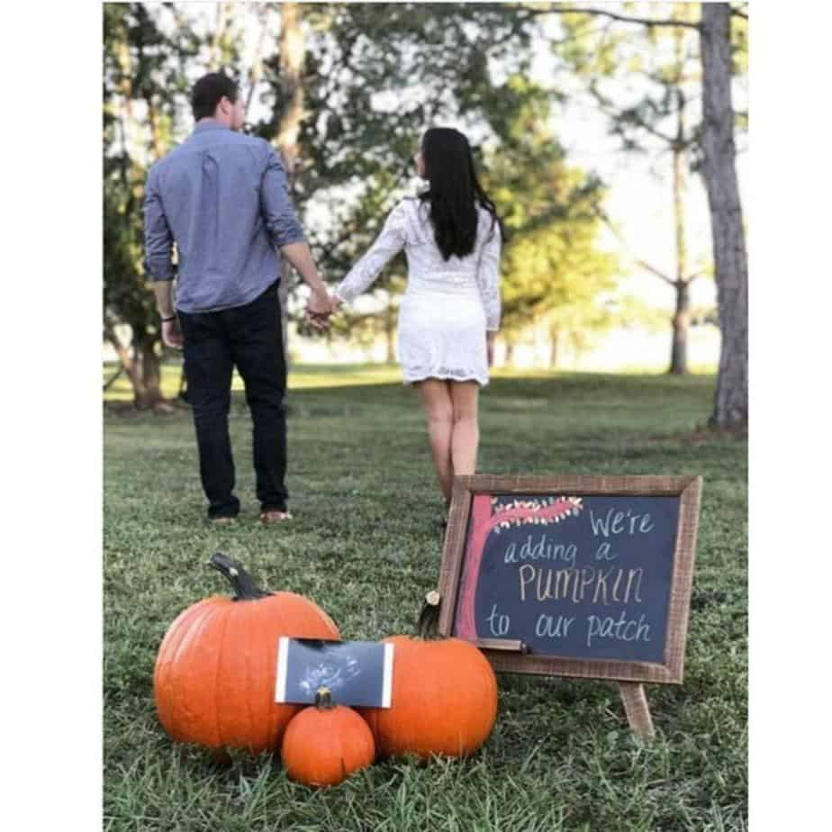 pregnancy announcement for couples in the fall