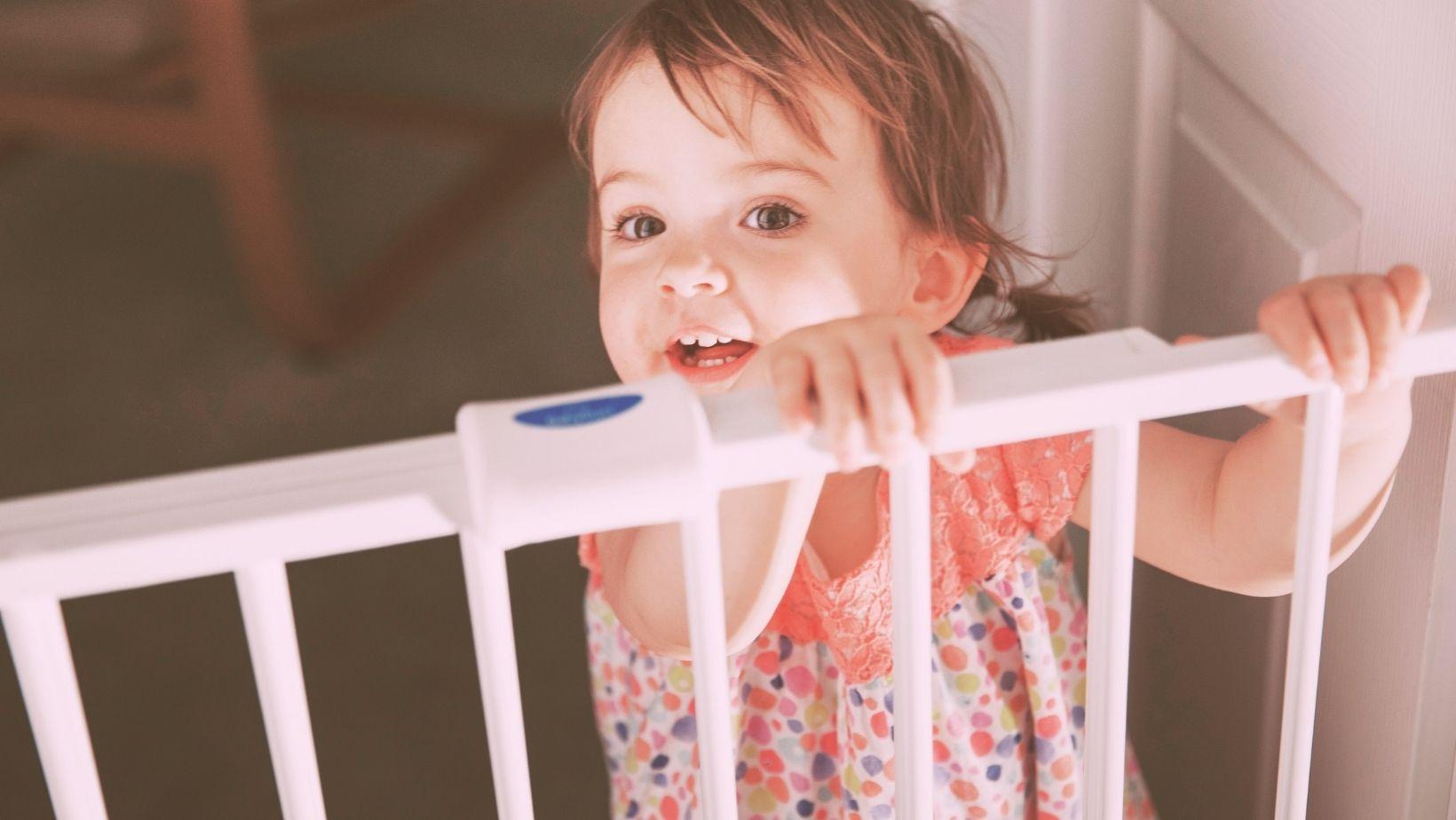 5 Best Retractable Baby Gate 2021
